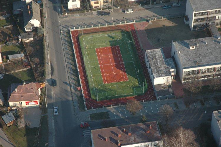 Športový areál pri ZŠ, Veľkomoravská 12