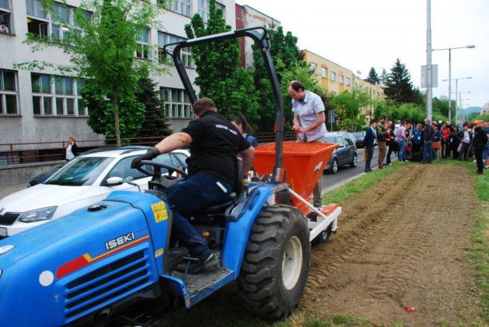 kosacka traktorova