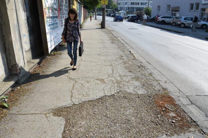 chodník k nemocnici zrekonštruujú