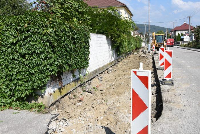 rekonštruujú chodník na Staničnej ulici