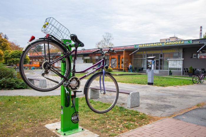 nové servisné cyklostojany