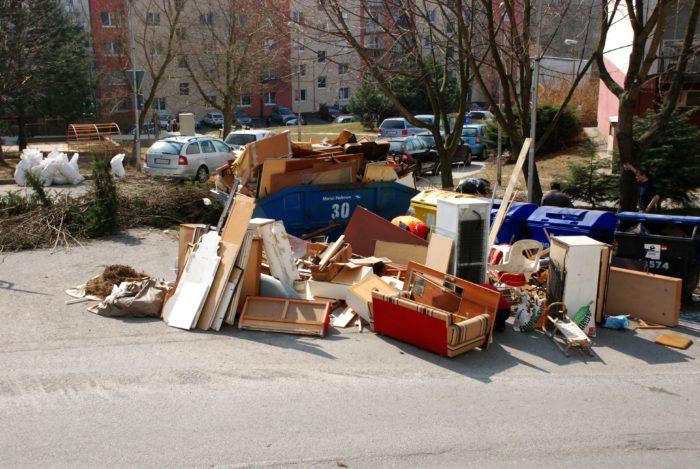foto nadrozmerny odpad