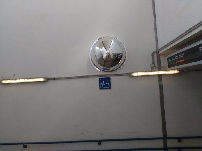 zrkadlá v podchodoch